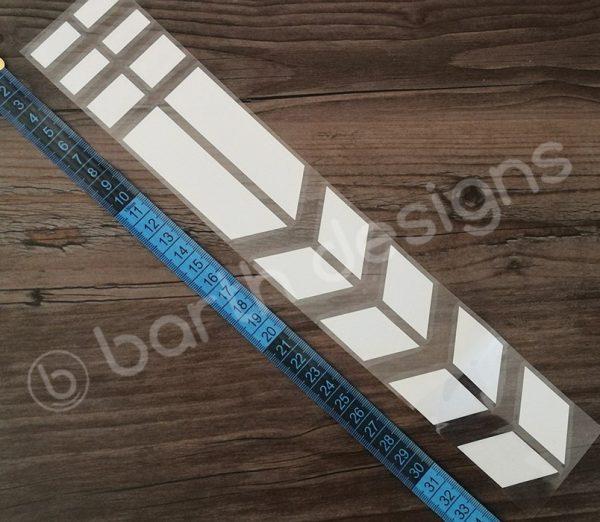 35 cm-es szaggatott csík fényvisszaverő matrica 2