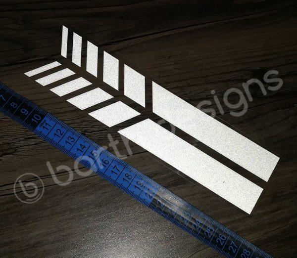 4 színű, 20 cm-es szaggatott fényvisszaverő csík 1 db fehér