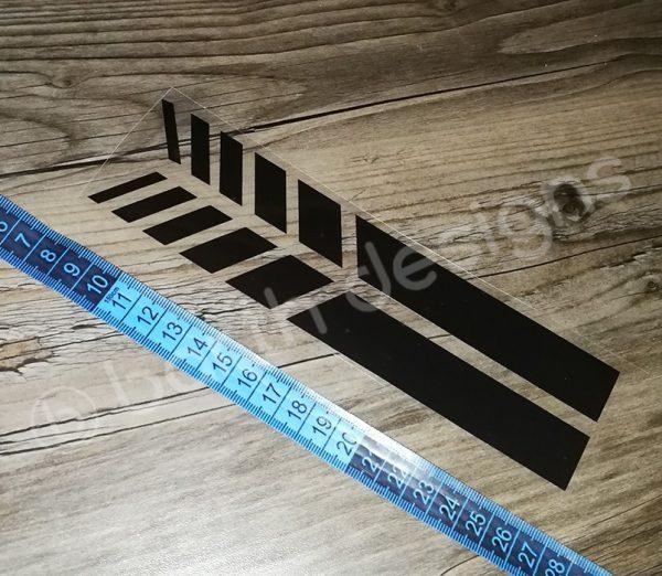 4 színű, 20 cm-es szaggatott fényvisszaverő csík 1 db fekete