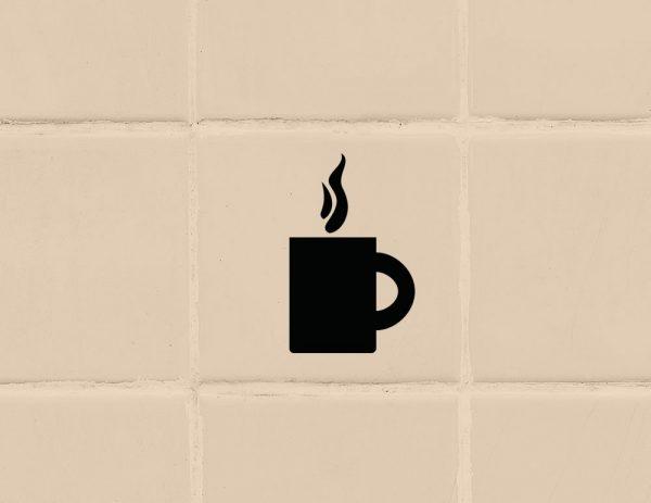 több színben és méretben konyhai csempematrica gőzölgő tea kávé látványterv